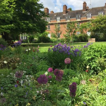Bed & Breakfast at St Hugh's College in Oxford