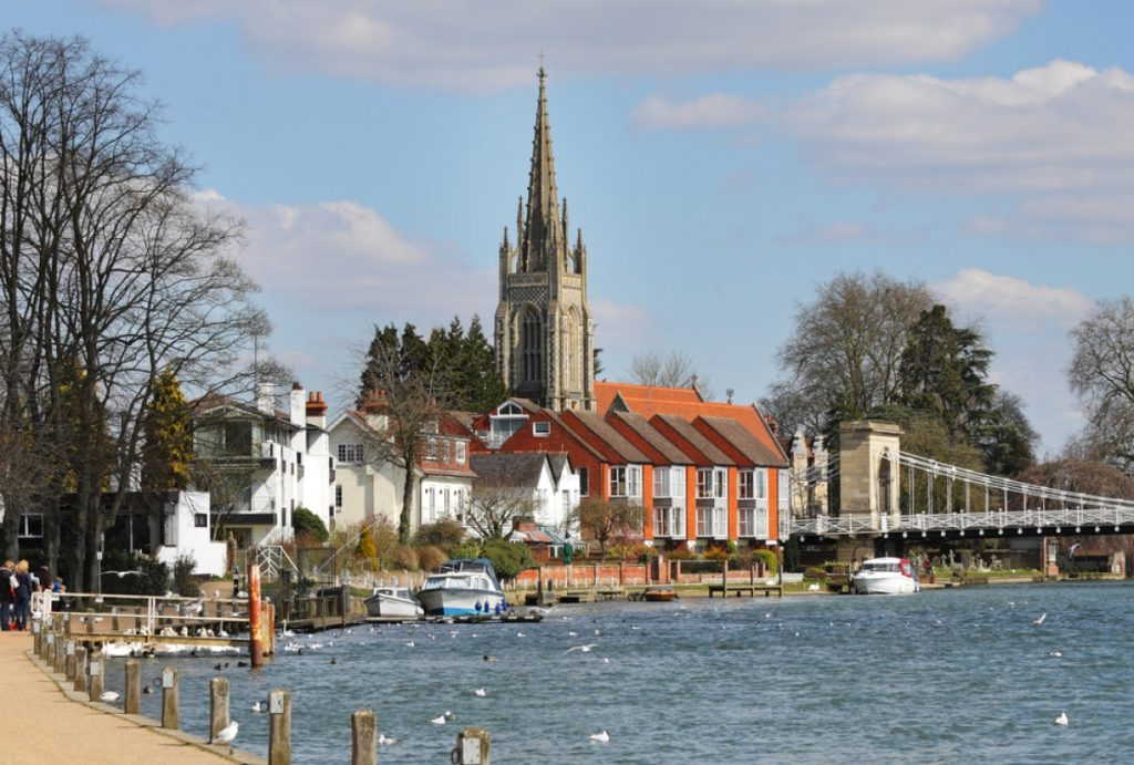 Marlow housesitters view of the River Thames